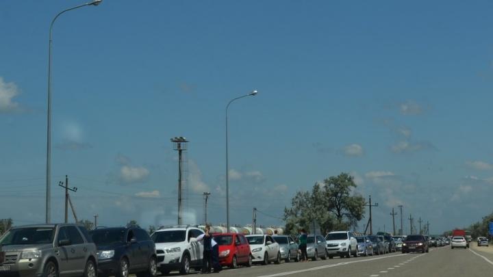На границе Челябинской области с Казахстаном образовалась большая пробка
