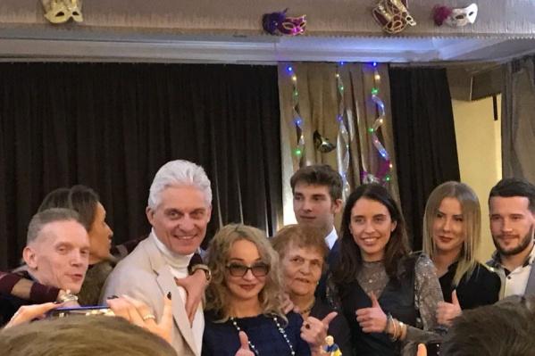 На юбилей Тинькова пришли его друзья и родственники