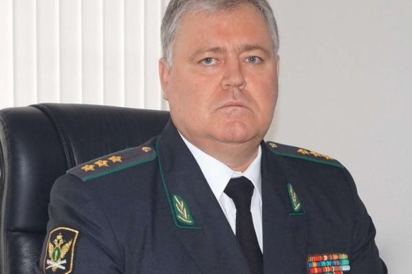 Владимир Зотов ушел с должности главного судебного пристава, поменявшись креслом со своим замом