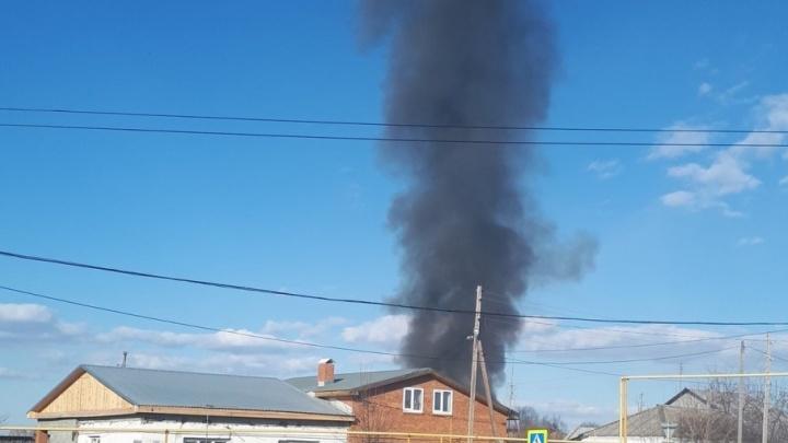 Под Тюменью произошёл пожар: сгорел пристрой жилого дома
