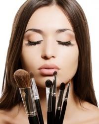 Три дня в ТРЦ «Солнечный» будут бесплатно делать экспресс-макияж