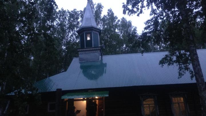 В Челябинской области при обрушении мечети пострадала молодая женщина