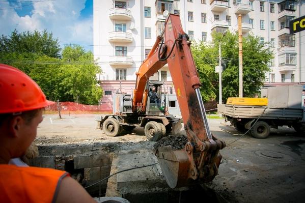 Ремонтировать теплотрассу на улице Агалакова будут до 11 августа
