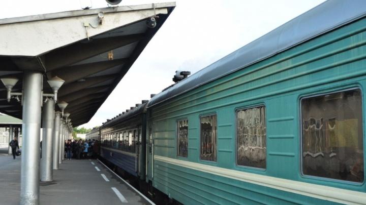В новогодние праздники СЖД пустит дополнительные поезда к Деду Морозу