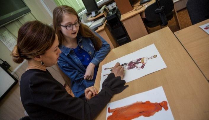 Юные волгоградцы получили мастер-класс от выпускницы Лаборатории моды Вячеслава Зайцева