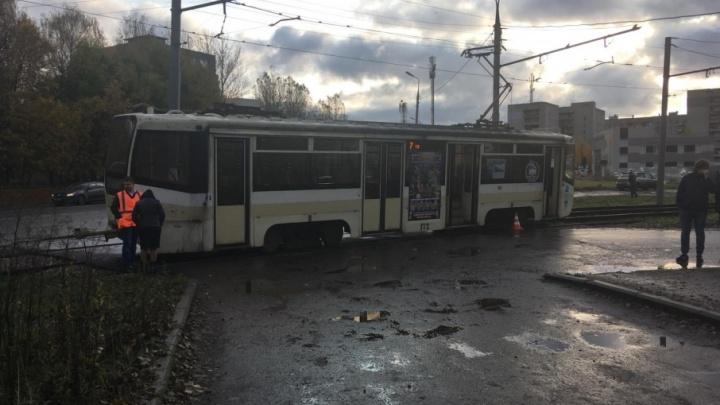 В Ярославле школьница попала под трамвай