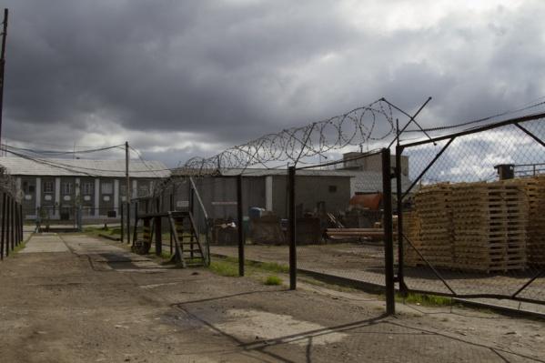 После удушения осужденного 500 заключенных устроили голодовку, требуя наказать виновных