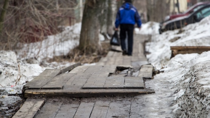 На Исакогорке и в Маймаксе отремонтируют деревянные мостки и тротуары