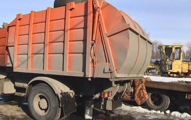 В Тольятти автослесаря убило кузовом мусоровоза