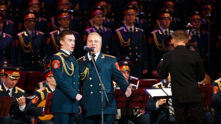 Новый состав ансамбля имени Александрова привез в Волгоград свою золотую коллекцию