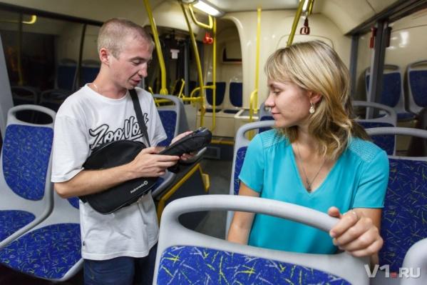 По словам пассажиров, билеты выдают только после их возмущений