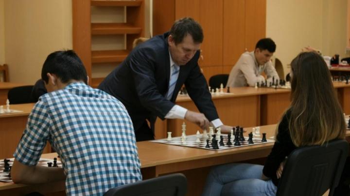 Шахматная академия в Архангельске открылась турниром с гроссмейстером международного класса