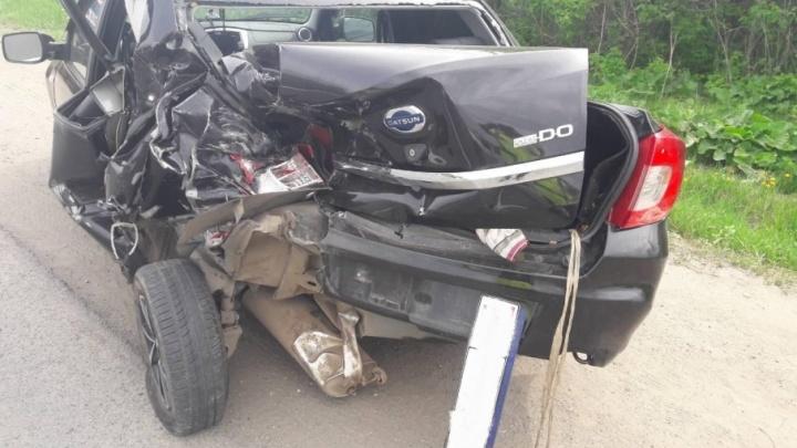 Под Самарой УАЗ снес половину Datsun и завалился на бок