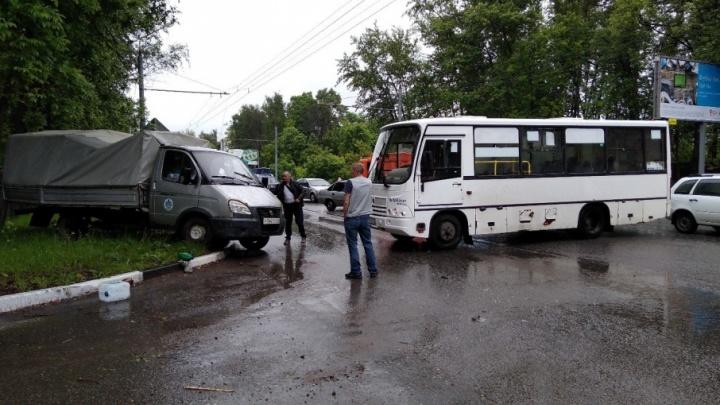 В Брагино маршрутка с пассажирами врезалась в «Газель»