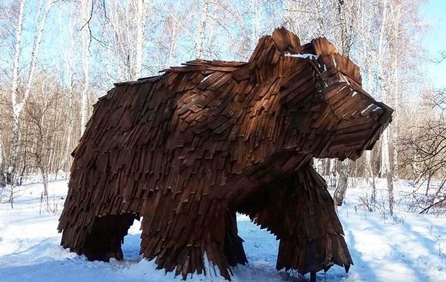 В Затюменском парке переделали фигуру медведя