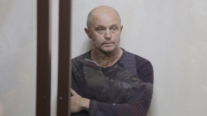 Сын готов заплатить пять миллионов: облсуд отложил апелляцию по аресту Сергея Давыдова