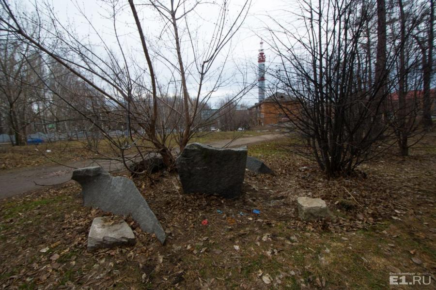Раньше в этом сквере было лютеранское кладбище.