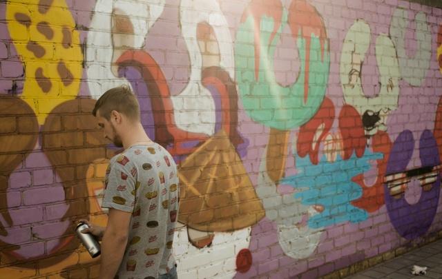 Волжане разрисовывали стены граффити и показывали «картины не для всех»