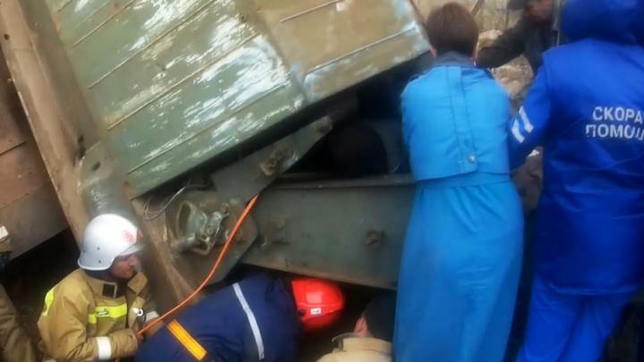 На Южном Урале машиниста придавило железнодорожным краном