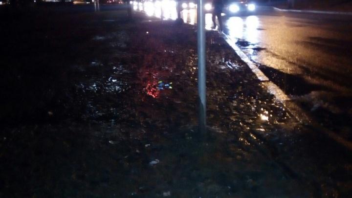 В Волгограде пешеходы утонули в грязи после первых дождей