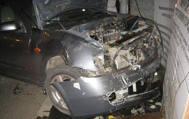 В Тольятти водитель Datsun вытолкнул Nissan с дороги на ограждение