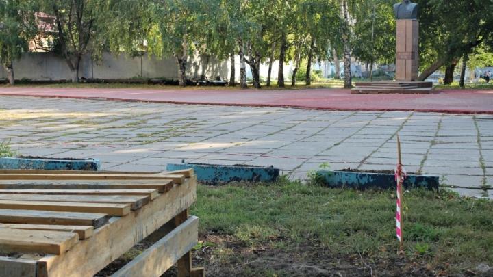 В парке Щорса стартовала установка памятника чехословацким легионерам