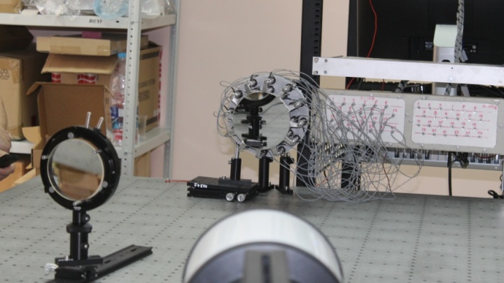 Вопреки силе тяжести: самарские ученые запатентовали гибкое зеркало