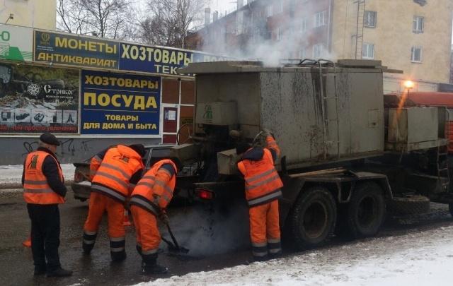 Дороги Ярославля стали ремонтировать ночью