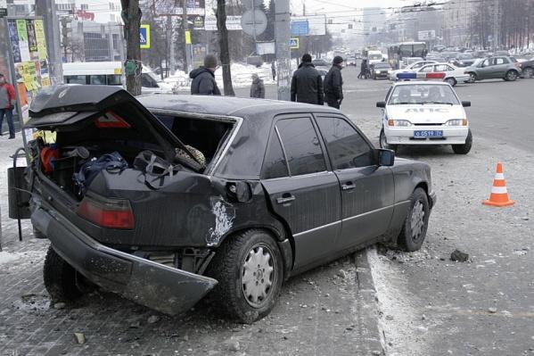 Страховать автомобиль в иногородней компании рискованно, считают эксперты: в случае ДТП можно не получить компенсации