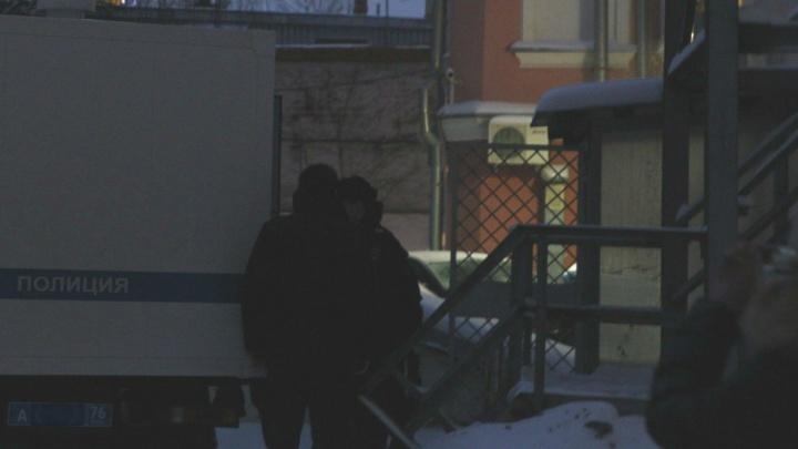 В Кировском суде решали, продлить арест или отпустить домой подозреваемого в убийстве Исаева