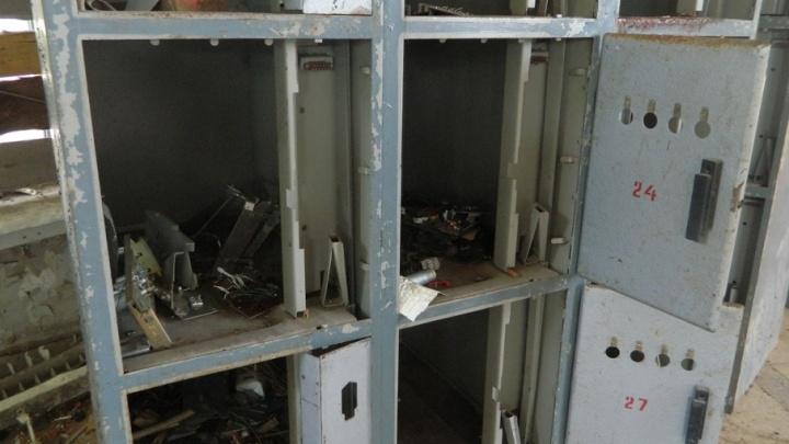 В речном порту Волжского рухнула перегородка: погиб рабочий