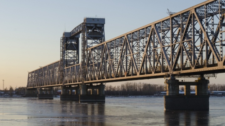 Проезда нет: железнодорожный мост закроют на три ночи