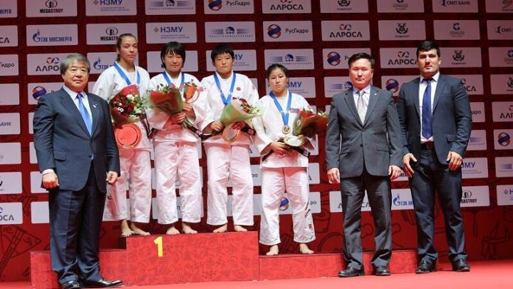 Юные дзюдоисты из Тюмени взяли две медали Международного турнира имени Дзигоро Кано