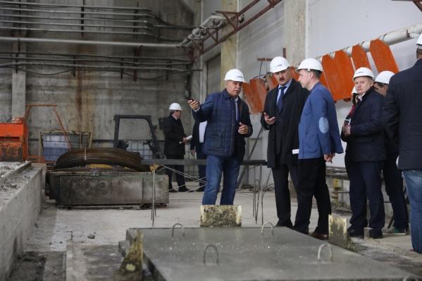 Глава Архангельска Игорь Годзиш посетил  предприятие по производству железобетонных конструкций