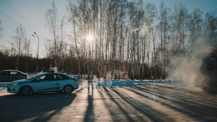 Якушев поручил ГИБДД усилить патрулирование на трассах в сильный мороз