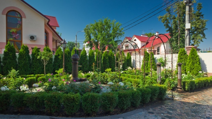 Оформляем участок: планировка, озеленение и декор придомовой зоны