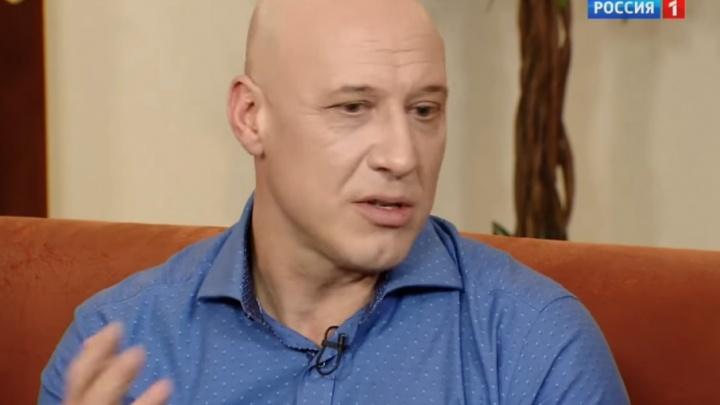 Крутил гайки на заводе: певец Денис Майданов рассказал о работе на Сызранском НПЗ