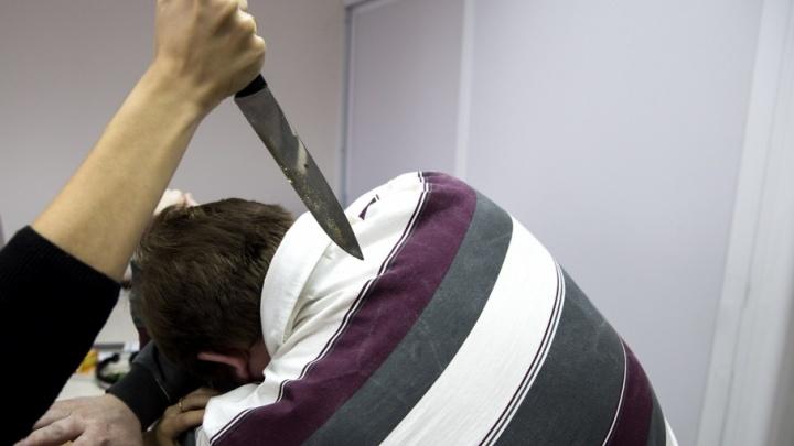Превысила самооборону: женщина убила озверевшего мужа