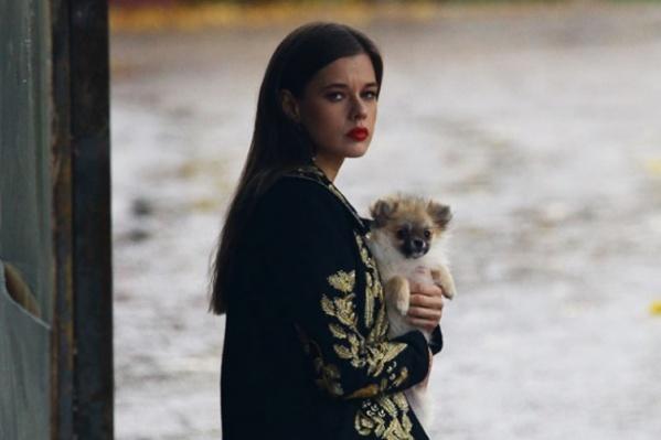 По сюжету картины Катерина Шпица играет актрису, которую убили