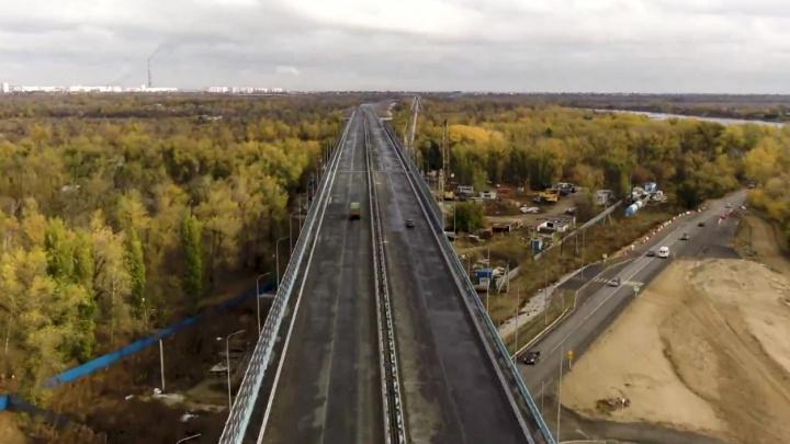 Волгоградцы досрочно открыли движение по мосту через Ахтубу