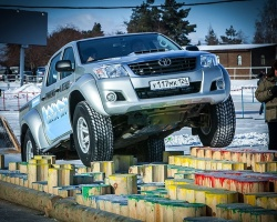Челябинцев покатали на Arctic trucks
