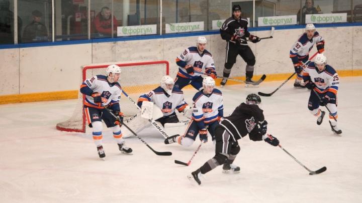 Тюменские хоккеисты уступили питерской «СКА-Неве» в домашнем матче