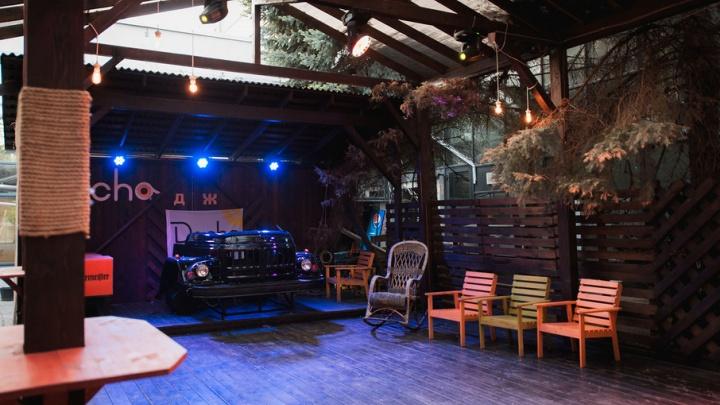 Настало лето – поедем на «Дачу»: летняя веранда с вкусной едой и хорошей музыкой