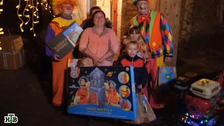 Дед Мороз из Великого Устюга исполнил мечту многодетной семьи из Ростовской области