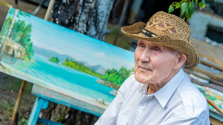 «Всё из жизни взято»: 95-летний художник-самоучка пишет картины, словно Шишкин