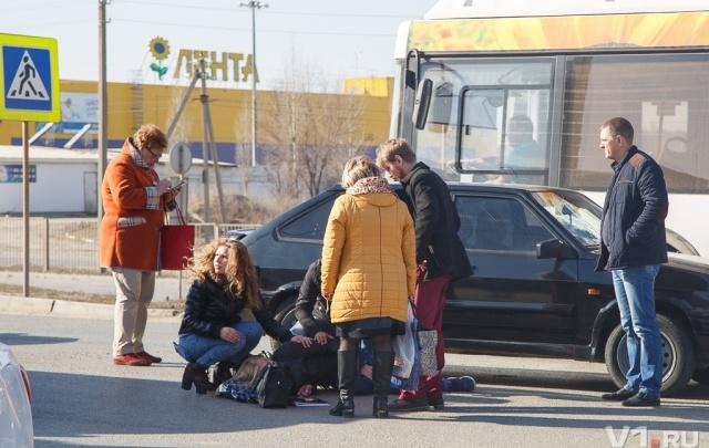 В Волгограде у областного морга сбили человека