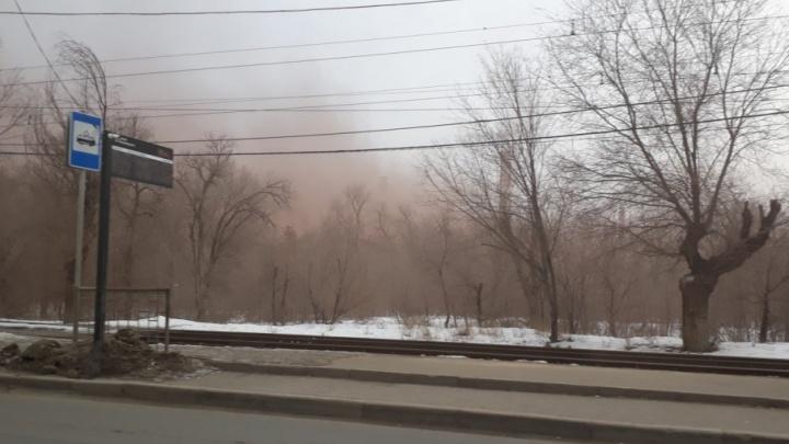 Волгоград заволокло густым облаком с «Красного Октября»
