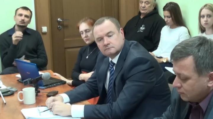 «Добрый семьянин»: сотрудника ГИБДД Челябинска задержали за создание нарколаборатории
