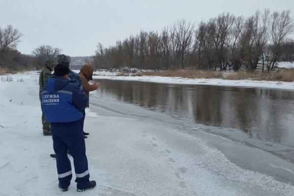 Спасатели будут ждать, когда стихнет ветер и улягутся сильные морозы