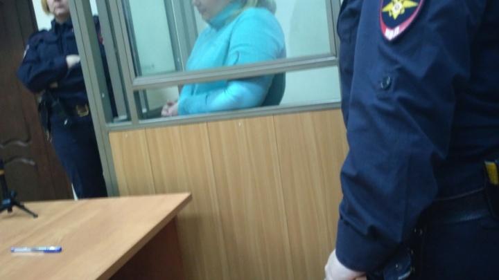 Ростовчанина и украинку осудили за вывод двух миллиардов рублей за границу